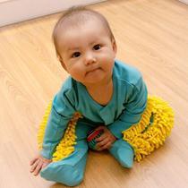 Bayu bayi dengan aksen mirip kain pel. (dok. BabyMop)