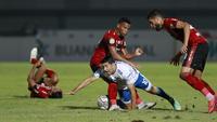 Bali United berhasil menahan Persib Bandung dengan skor 2-2 pada laga pekan ketiga BRI Liga 1 2021/2022 yang digelar di Indomilk Arena, Sabtu (18/9/2021). (Bola.com/M Iqbal Ichsan)