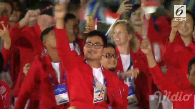 Atlet renang I Gede Siman Sudartawa mendapat kehormatan sebagai pembawa bendera Indonesia pada upacara pembukaan Asian Games 2018 di Stadion Utama Gelora Bung Karno (GBK), Jakarta.