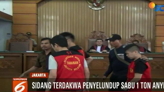Majelis Hakim Pengadilan Negeri Jakarta Selatan, menvonis mati delapan terdakwa Warga Negara Cina, yang terlibat dalam penyeludupan satu ton sabu di Anyer, Banten.