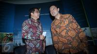 Mendag Thomas Lembong (kanan) dan Kepala BKPM Franky Sibarani memberikan keterangan pers usai rapat kebijakan paket ekonomi tiga di Jakarta, Jumat (2/9/2015). Rapat membahas desk khusus investasi tekstil dan sepatu. (Liputan6.com/Angga Yuniar)