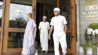 Pemain Timnas Indonesia di Masjid Islamic Center Valdesam, Bangkok, Jumat (16/11/2018). (Bola.com/Muhammad Iqbal Ichsan)