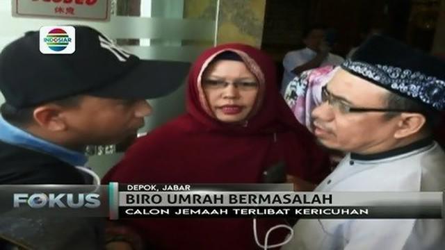 "Calon jemaah haji, yang didominasi oleh kaum ibu menggeruduk kantor ""First Travel"" di Depok, Jawa Barat."