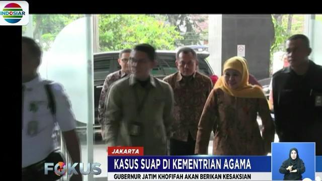 Tiba pukul 10.00 WIB di Gedung Pengadilan Negeri Tipikor Jakarta, Khofifah Indar Parawansa langsung menuju ruang tunggu saksi.