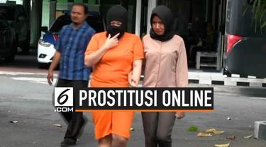 Polres Sleman menangkap seorang mahasiswi asal Jambi yang menjadi muncikari prostitusi online. Kedok AA terbongkar setelah beberapa PSK yang ditangkap polisi mengaku bertransaksi melalui akun Medsos AA