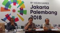 Ketua Panitia Penyelenggara Asian Games 2018 (INASGOC), Erick Thohir, mengumumkan empat nama yang diusulkan menjadi deputi-deputi pendukung persiapan Asian Games 2018. (Bola.com/Zulfirdaus Harahap)