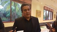 Exco PSSI, Gusti Randa, menilai pemberian bantuan hukum untuk anggotanya yang terkena kasus pengaturan skor sudah sesuai dengan aturan organisasi. (Bola.com/Zulfirdaus Harahap)