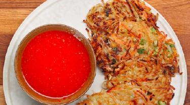Cara Mudah Membuat Bihun Pancake ala Asia yang Lezat
