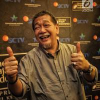 "Deddy Mizwar berpose saat hadir dalam gala premiere, Jakarta, Selasa (21/8). Menyambut HUT ke-28, SCTV akan menayangkan episode ke-100 ""Sinema Wajah Indonesia"" yang berjudul ""Lubang Tikus"" pada 26 Agustus 2018 pukul 23:00 WIB. (Liputan6.com/Faizal Fanani)"