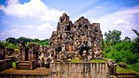 Berikut destinasi-destinasi terpopular untuk dikunjungi kala 'traveling' ke Cirebon.