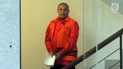 Pejabat Pembuat Komitmen pada Kemenpora Adhi Purnomo usai pemeriksaan di Gedung KPK, Jakarta, Selasa (12/3). Mereka diperiksa sebagai tersangka terkait kasus suap dana hibah dari pemerintah melalui Kemenpora kepada KONI. (merdeka.com/Dwi Narwoko)