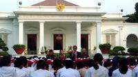 Presiden Jokowi mendongeng di Hari Buku Nasional (Liputan6.com/Ahmad Romadoni)
