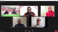 Yuli Indarti, pelaku UMKM memberikan tipsnya mempromosikan produk UMKM kuliner dalam kegiatan sesi inspirasi Peran Generasi Muda dan Teknologi Dalam Pemberdayaan UMKM di Masa Pandemi Covid-19.