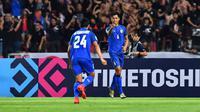Bek Timnas Thailand, Pansa Hemviboon (6), saat melawan Singapura di Stadion Rajamangala (25/11/2018) pada penyisihan Grup B Piala AFF 2018. (Bola.com/AFF Suzuki Cup)