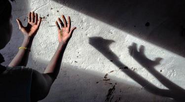 Korban Pemerkosaan Mengkebiri Pelaku untuk Barang Bukti ke Polisi