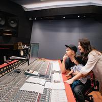 Glenn Alinskie dan Chelsea Olivia produseri girlband K-Pop (istimewa)