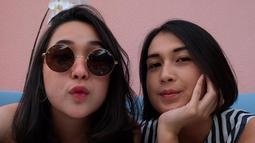 Pricil dan Sandra kompak tampil dengan gaya rambut pendek sebahu. (Liputan6.com/IG/@alexandrancilla)