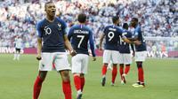 3. Kylian Mbappe - Pemain berusia 19 tahun itu menjadi striker muda paling mematikan di Piala Dunia 2018. Jika berhasil meraih trofi Piala Dunia akan menempatkan remaja ini sebagai kandidat kuat peraih Ballon d'Or tahun ini. (AP/David Vincent)
