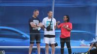 Pelatih PSS Sleman, Dejan Antonic, saat pemain-pemain muda akademi PSS di lapangan Pugeran, Sleman, Senin (3/5/2021). (Dok. PSS Sleman)