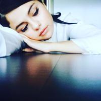 """""""Jika Justin benar-benar tunangan dengan Hailey Baldwin. Hatiku patah dua kali. Satu untuk diriku, satu untuk Selena,"""" tabah @kaitpennington. (instagram/selenagomez)"""