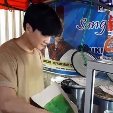 Penjual Nasi Kuning