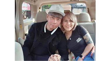 Unggah Foto dan Caption Samaan, Ini 7 Potret Kebersamaan Roy Kiyoshi dan Evelyn