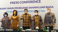 Jajaran direksi baru PT Bank Mandiri (Persero) Tbk (BMRI) usai Rapat Umum Pemegang Saham Luar Biasa (RUPSLB). (Foto Bank Mandiri)