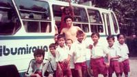 PS Sari Bumi Raya, klub 1980-an wajib memutar lagu dangdut Rhoma Irama saat menjalani tur tandang.