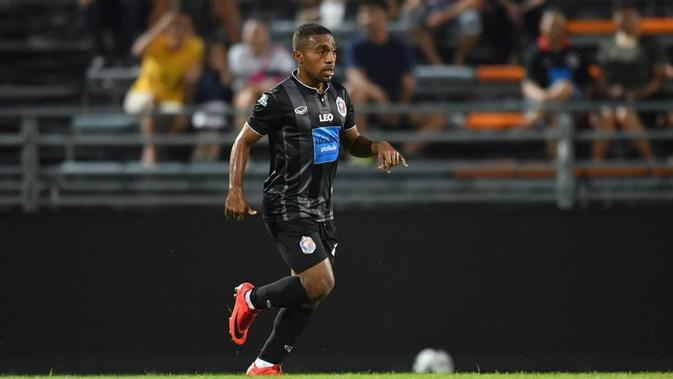 Terens Fuhiri bermain untuk klub Thailand, Port FC pada musim 2018. (Instagram/@terenspuhiri)