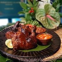 Pemenang kompetisi Bango 'Ayam Bakar Madu Salakilo'