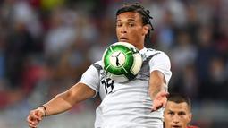Leroy Sane terakhir bermain bersama timnas Jerman saat melawan Austria pada laga uji boa di  Klagenfurt, Austria, (2/6/2018). Jerman kalah 1-2 dari Austria. (AFP/Joe Klamar)