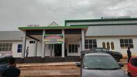 Kemenkes RI membangun fasilitas kesehatan yang baik di daerah pinggiran hingga perbatasan guna memenuhi akses kesehatan yang merata dan mudah dicapai bagi warga Indonesia yang tinggal di perbatasan. (Foto: Liputan6.com/Giovani Dio Prasasti)