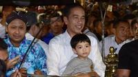 Presiden Jokowi bersama Jan Ethes keliling Malioboro menggunakan Andong.