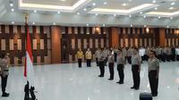Kapolri Jenderal Idham Azis Mengukuhkan Kenaikan Pangkat Puluhan Pati Polri di Mabes Polri, Jakarta, Kamis (26/12/2019). (Foto: Fachrul Rozie/Liputan6.com)