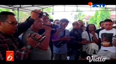 Dua dari lima pembobol gudang di Kota Madiun ditangkap oleh pihak kepolisian dan ditahan di Polres Ponorogo serta Wonogiri, Jawa Tengah. Pelaku tertangkap ketika sedang berupaya membobol minimarket.