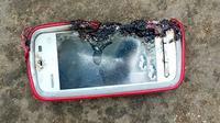Ponsel meledak yang menelan korban seorang remaja putri (kredit: metro)