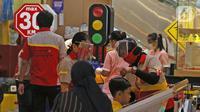 Suasana gerai salon anak di Mall Senayan City, Jakarta, Senin (15/6/2020). Pusat perbelanjaan atau mal di Jakarta kembali dibuka pada Senin (15/6) di masa PSBB transisi dengan jumlah pengunjung masih dibatasi hanya 50 persen dari kapasitas normal. (Liputan6.com/Herman Zakharia)