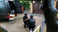 Benda mencurigakan ditemukan di Perumahan Taman Rahayu Regensi 2, RT 02/07, Kecamatan Setu, Kabupaten Bekasi (Liputan6.com/Fernando)