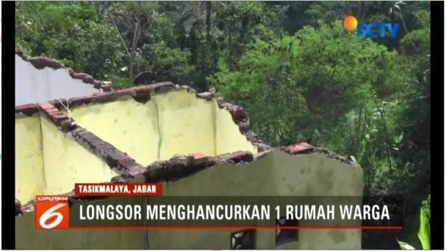 Tebing setinggi 30 meter di Kampung Sukasari, Kelurahan Sumelap, Kecamatan Purbaratu, Kota Tasikmalaya, longsor.