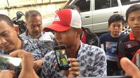 Tim Disaster Victim Identification (DVI) Polda Sumut menerima data ante mortem dari pihak keluarga korban kebakaran pabrik korek gas di Kabupaten Langkat. (Liputan6/Reza Efendi)