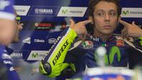 Valentino Rossi saat berada di kokpit (GETTY IMAGES / GETTY IMAGES NORTH AMERICA / AFP)
