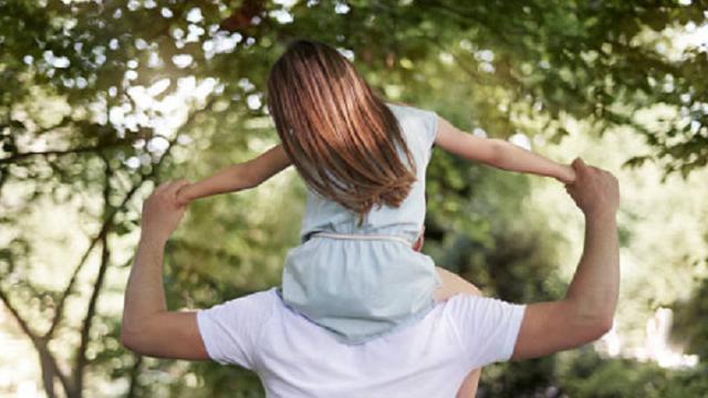 Diberi Penghargaan… Ini 5 Perayaan Menarik Hari Ayah di Sejumlah Negara