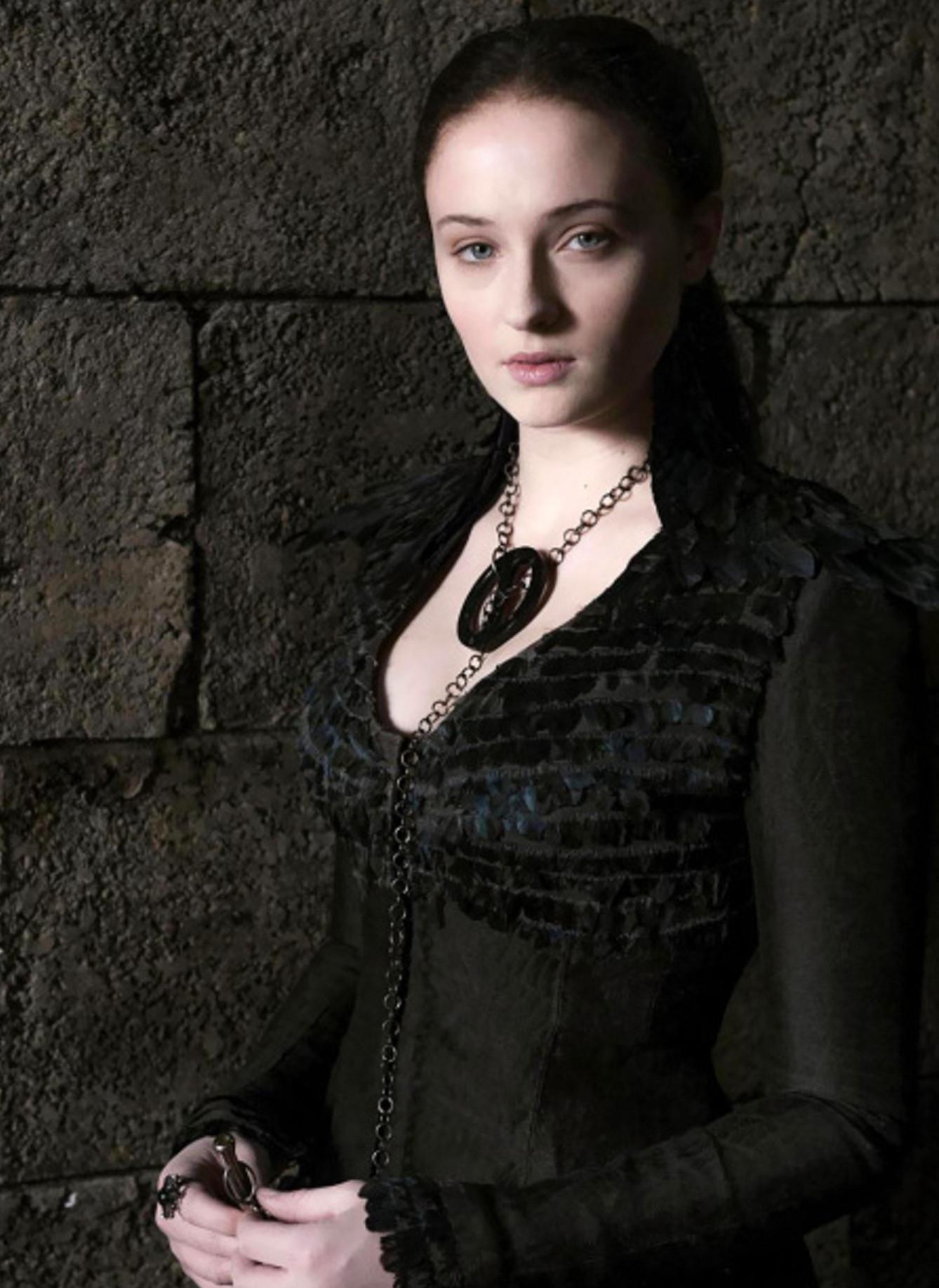 Aksi Sophie Turner saat beraksi di serial ternama Game of Thrones (Entertainment Weekly)