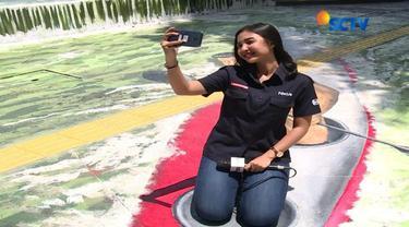 Mural Danau Sunter kini jadi daya tarik baru di kawasan wisata Ibu Kota tersebut. Lukisan-lukisan hasil karya pelajar itu hits di media sosial seperti Instagram, karena jadi spot swafoto favorit pengunjung.