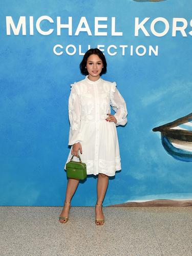 Menghadiri New York Fashion Week 2019, Intip Gaya Chic dari Andien