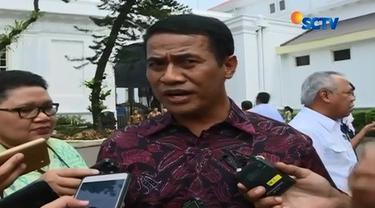 20161007-Bareskrim Polri Ungkap Gudang Mafia Beras Oplosan-Jakarta
