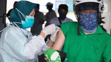 Dukung Program Pemerintah, Ribuan Mitra Driver Gojek Ikuti Vaksinasi