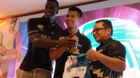 Aji Maulana (tengah) memperkuat im putra BNI 46 pada kompetisi bola voli Proliga 2019. (Liputan6.com/Bogi Triyadi)