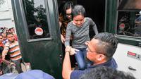 Jessica Kumala Wongso, tersangka kasus pembunuhan Wayan Mirna Salihin, tiba di Rumah Tahanan (Rutan) Pondok Bambu, Jakarta Timur, Jumat (27/5). (Liputan6.com/Yoppy Renato)