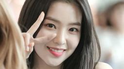 Irene bearti dewi perdamaian. Tampkanya nama ini cocok untuk Bae Joo Hyun, lantaran ia punya wajah cantik yang bisa mendamaikan hati. (Foto: koreaboo.com)